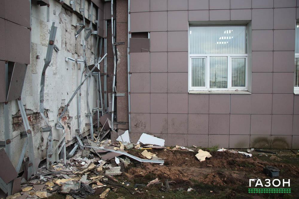 Несущие стены главного корпуса НовГУ не пострадали в аварии с автобусом