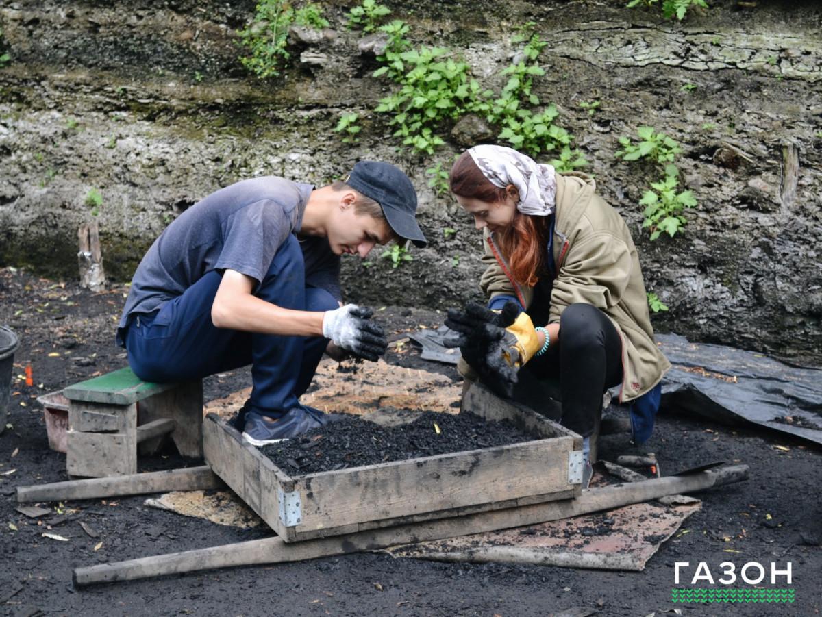 Могу копать, не могу не копать: кому и зачем нужна летняя археологическая школа в Старой Руссе
