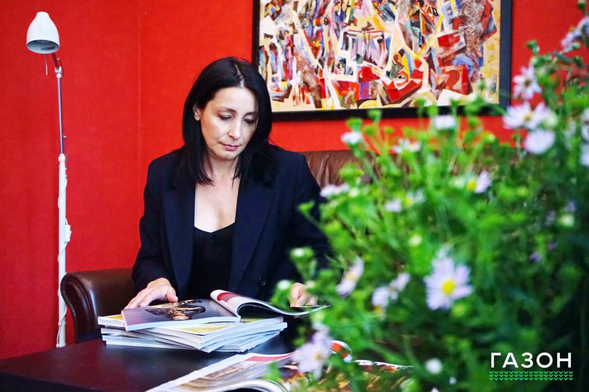 Начитанные: Рина Елизарова выбрала шесть книг о моде и стиле