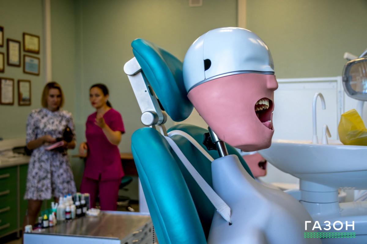 И лечить, и учить: Как работает стоматологический центр Новгородского университета