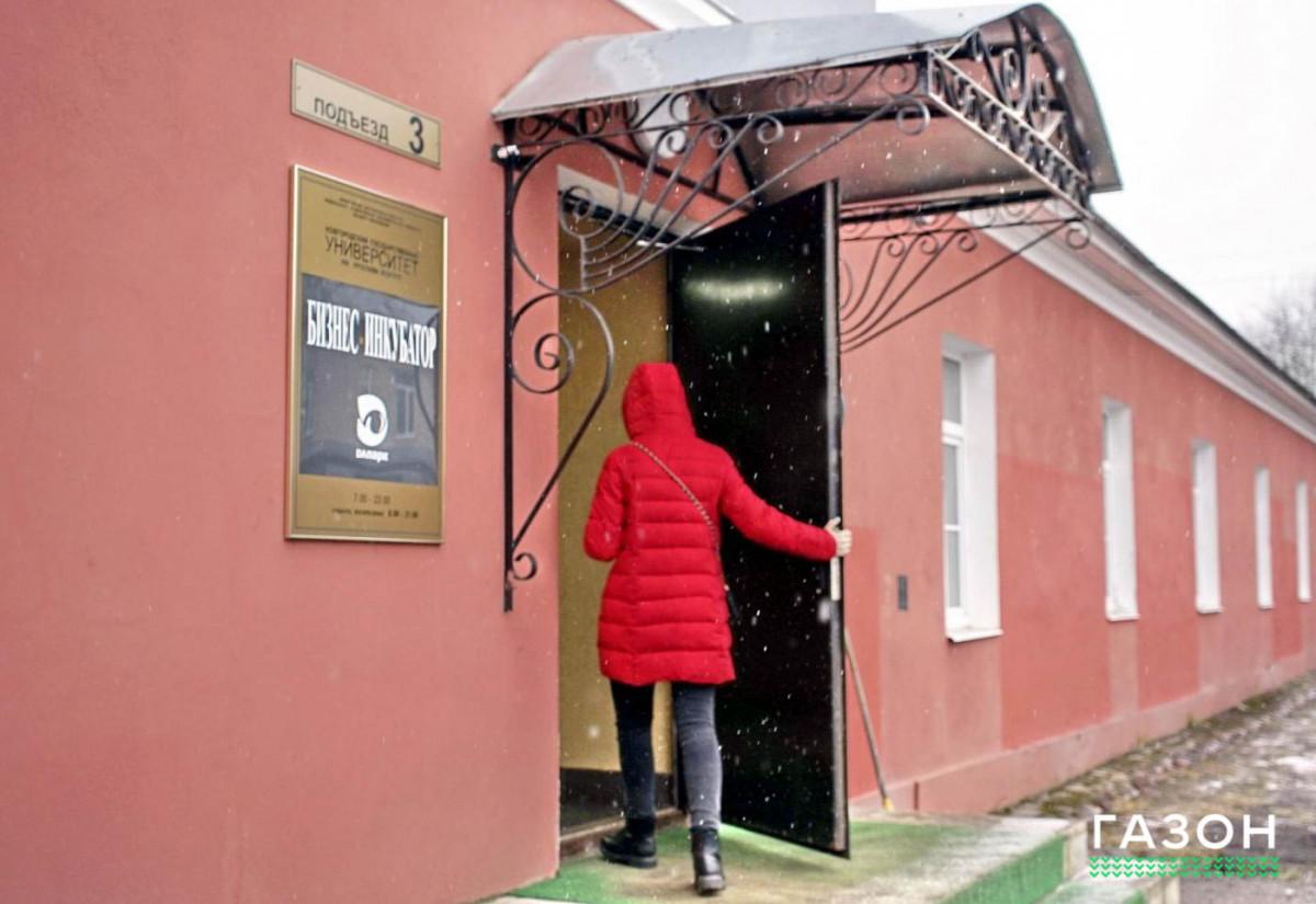 Новгородские студенты придумали пандус для автобусов, подстраивающийся под высоту остановки