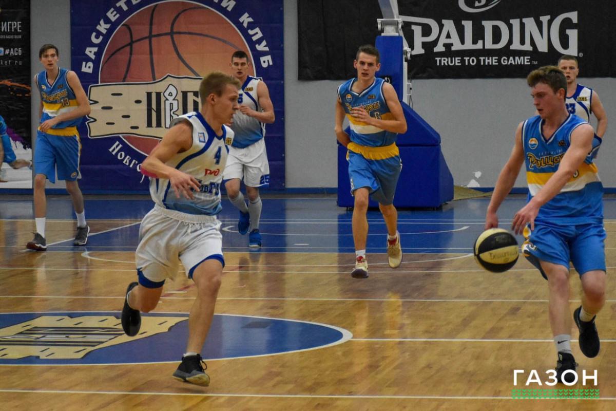 «Витязи НовГУ» стартовали в чемпионате АСБ с двух побед