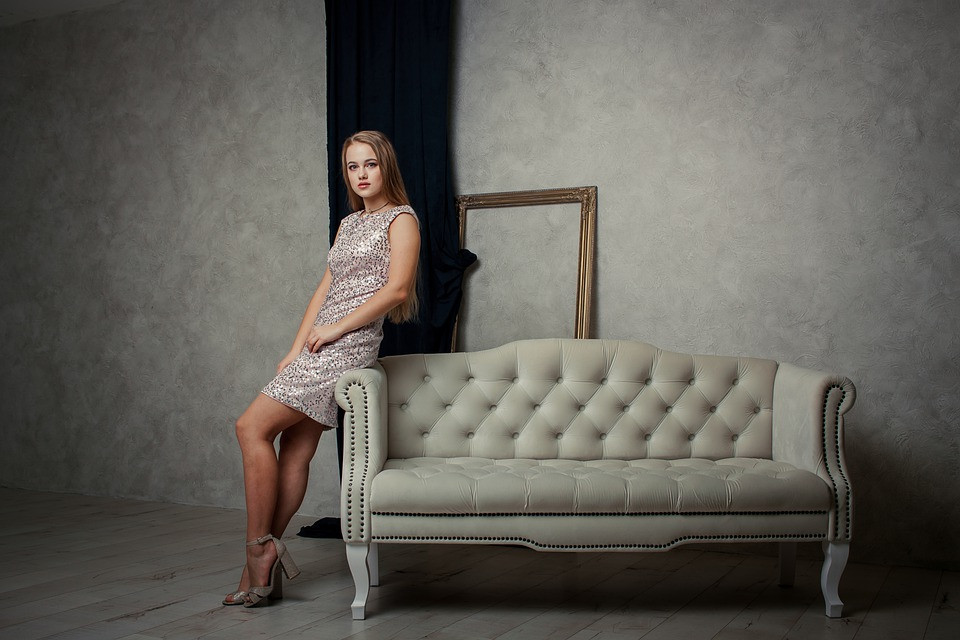 Блеск и акценты: Стилист Рина Елизарова советует, какой наряд выбрать для новогодней ночи