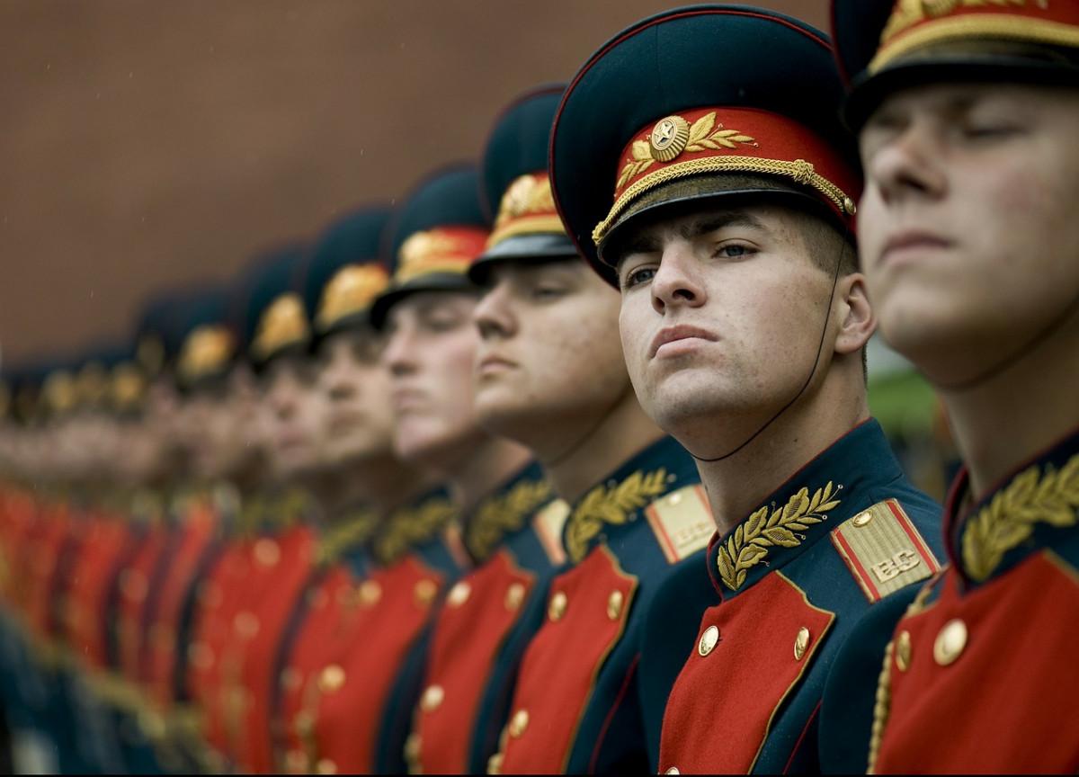 Только 12% новгородских старшеклассников хотят в армию