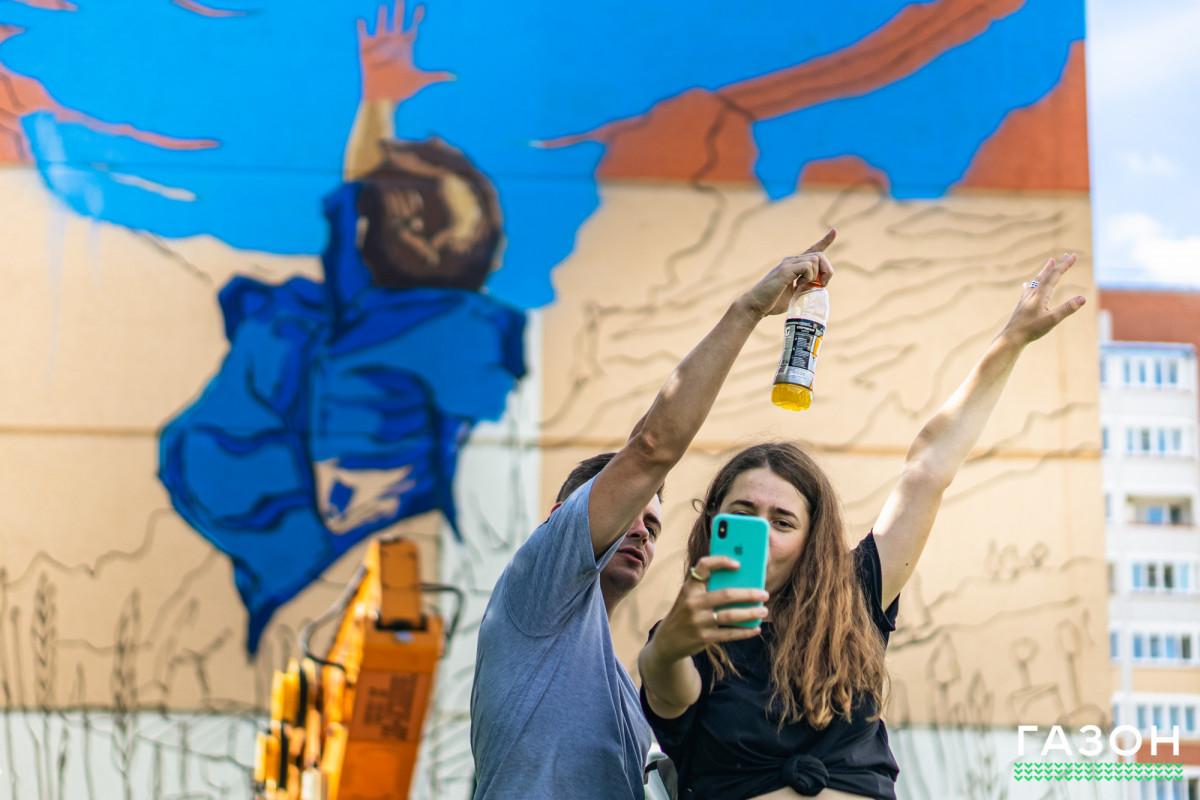 Сделать людей счастливее: Стрит-арт художники о фестивале уличного искусства «Страницы истории»